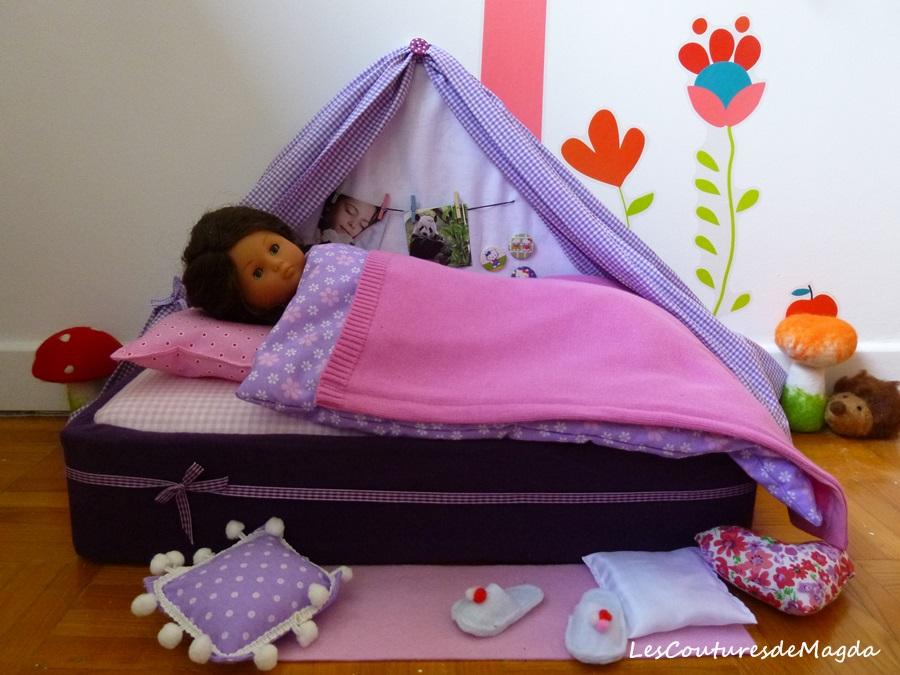 lit pour poup e ch ries corolle lescouturesdemagda. Black Bedroom Furniture Sets. Home Design Ideas